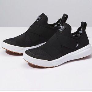 Vans Shoes - Vans UltraRange Gore Black